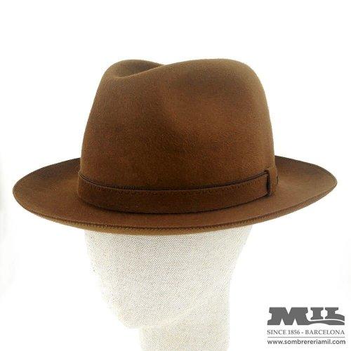 Sombreros de hombre con estilo y de moda en Barcelona. - Sombrereria Mil 6aa80de67c2