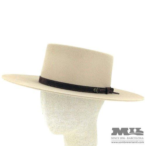 Sombreros de hombre con estilo y de moda en Barcelona. - Sombrereria Mil 4f56ef55ff8