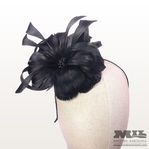 Headress for wedding petals