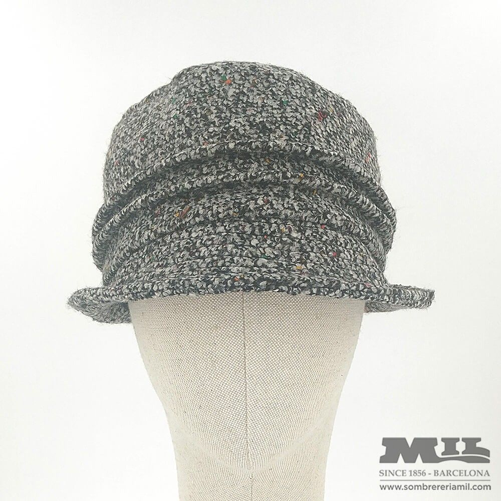 Gray chocle hat with sparks of color