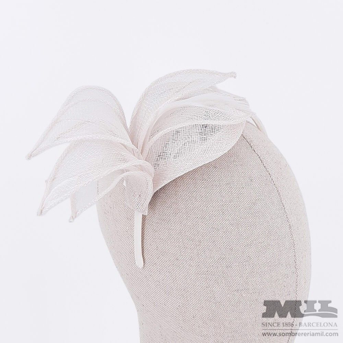 Thin Feathers fascinator