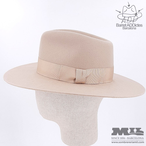 Niki Cream flat hat