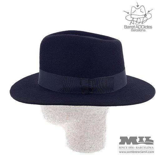Niki Black flat hat